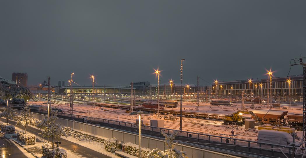 München Hauptbahnhof Gleise Winter