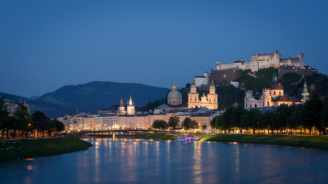 Salzburg Festung Hohensalzburg Altstadt Dom Nacht