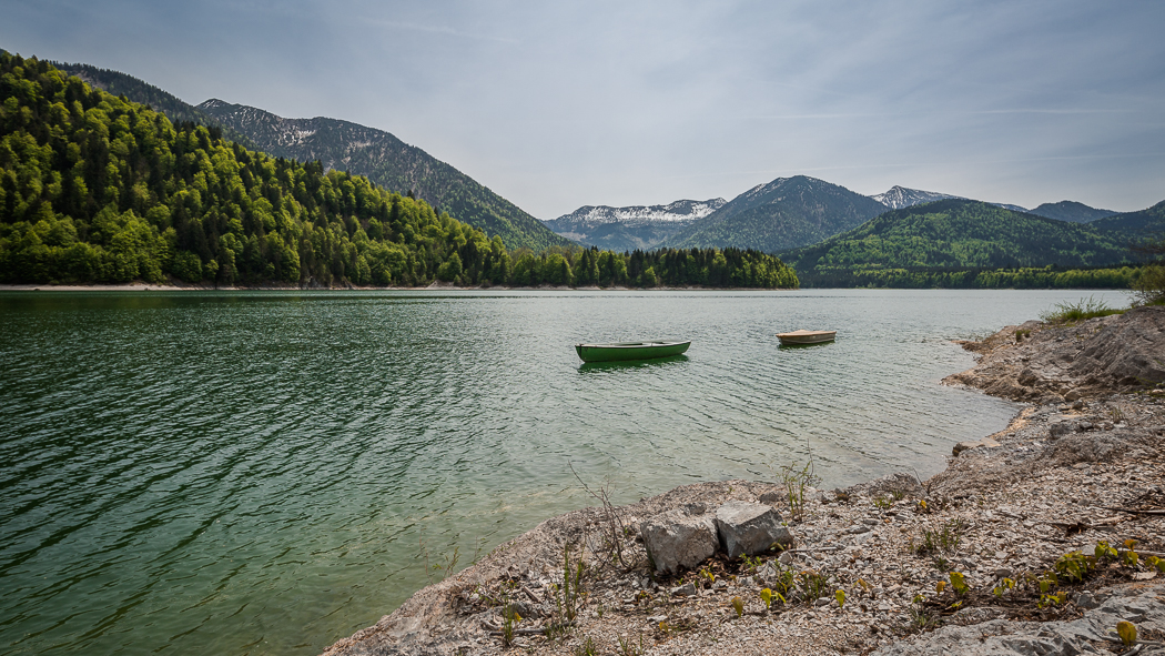 Sylvensteinspeicher See Alpen Ufer Boote