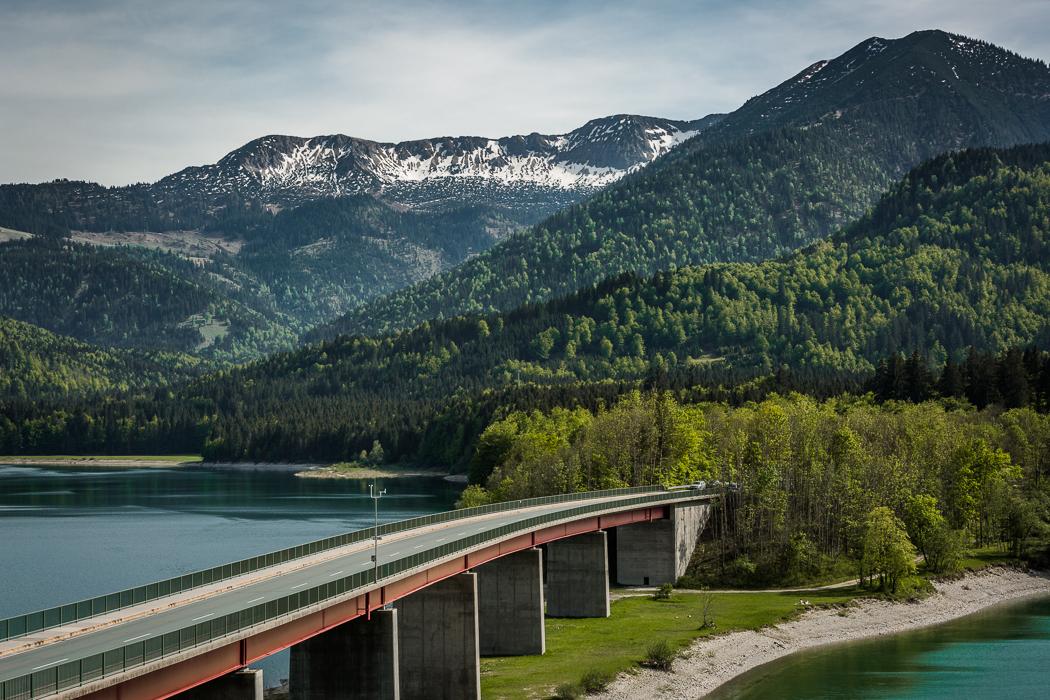 Sylvensteinspeicher See Alpen Brücke Ufer