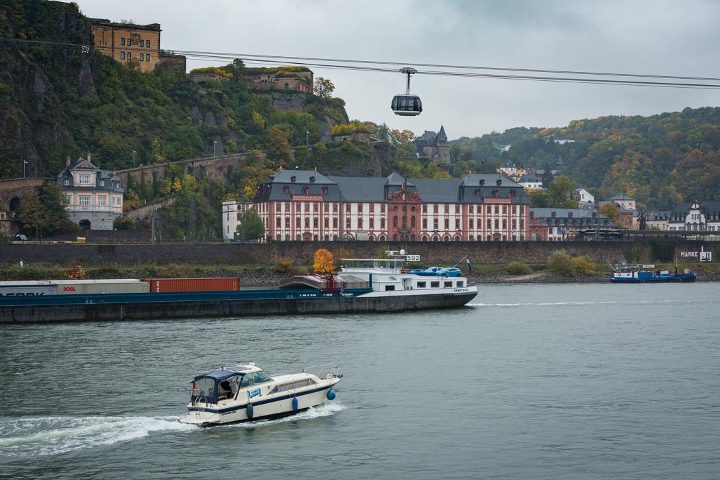 Koblenz Rheinland Pfalz Schloss Philippsburg Festung Ehrenbreitstein Rhein Seilbahn