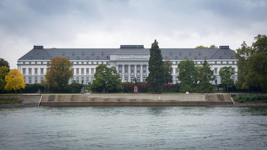 Koblenz Rheinland Pfalz Kurfürstliches Schloss Rhein