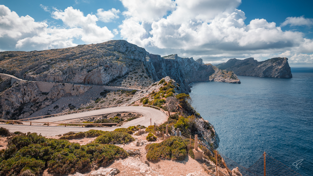 Mallorca Cap Formentor Tramuntana road ocean cliffs Spain