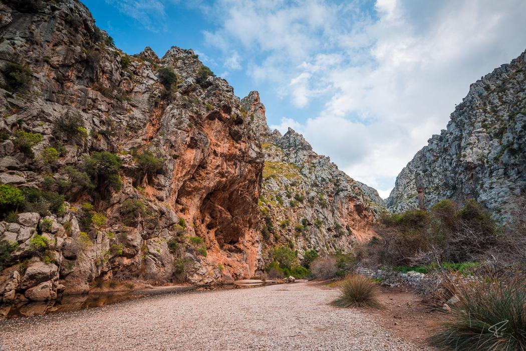 Mallorca Torrent de Pareis Sa Calobra Serra de Tramuntana canyon cave