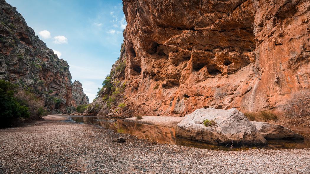 Mallorca Torrent de Pareis Sa Calobra Serra de Tramuntana canyon cave rocks