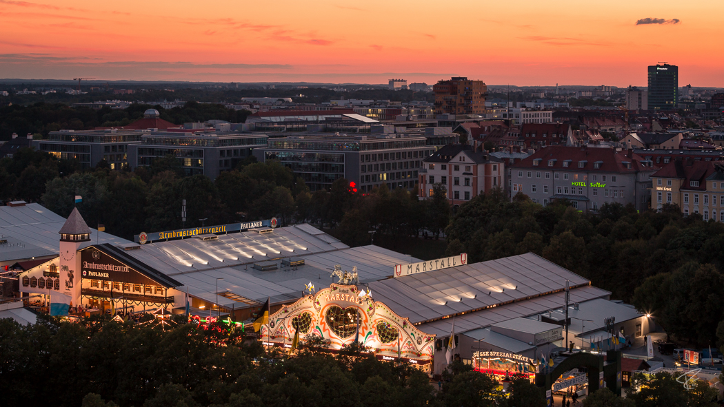 Oktoberfest Wiesn Munich Bierzelt Nacht night