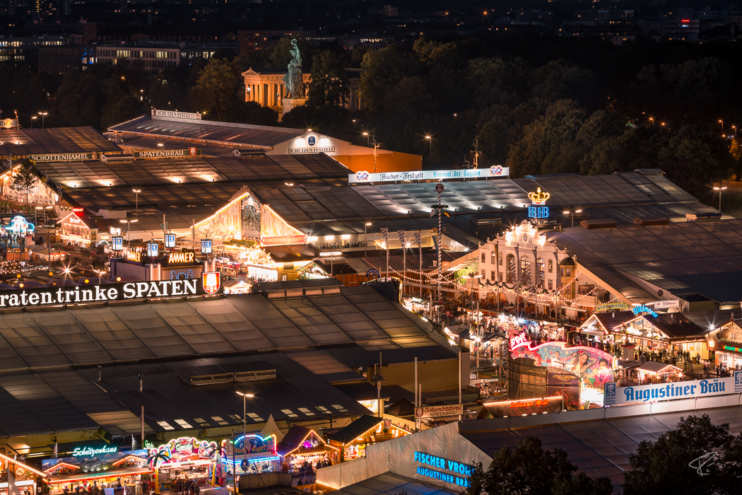 Oktoberfest Wiesn Munich Bierzelt Nacht night