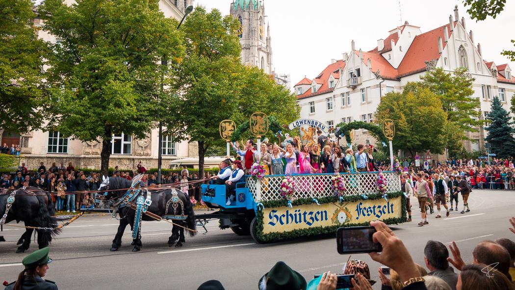 Oktoberfest Wiesn Munich Festzug Festwirte