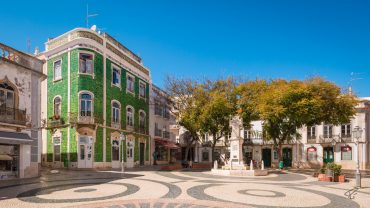 Lagos Algarve Portugal green house grünes Haus